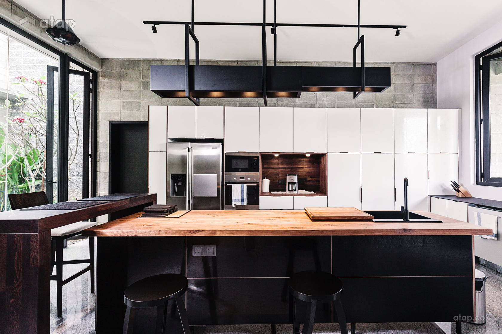 Contemporary Modern Kitchen @ Damansara Height's Bungalow