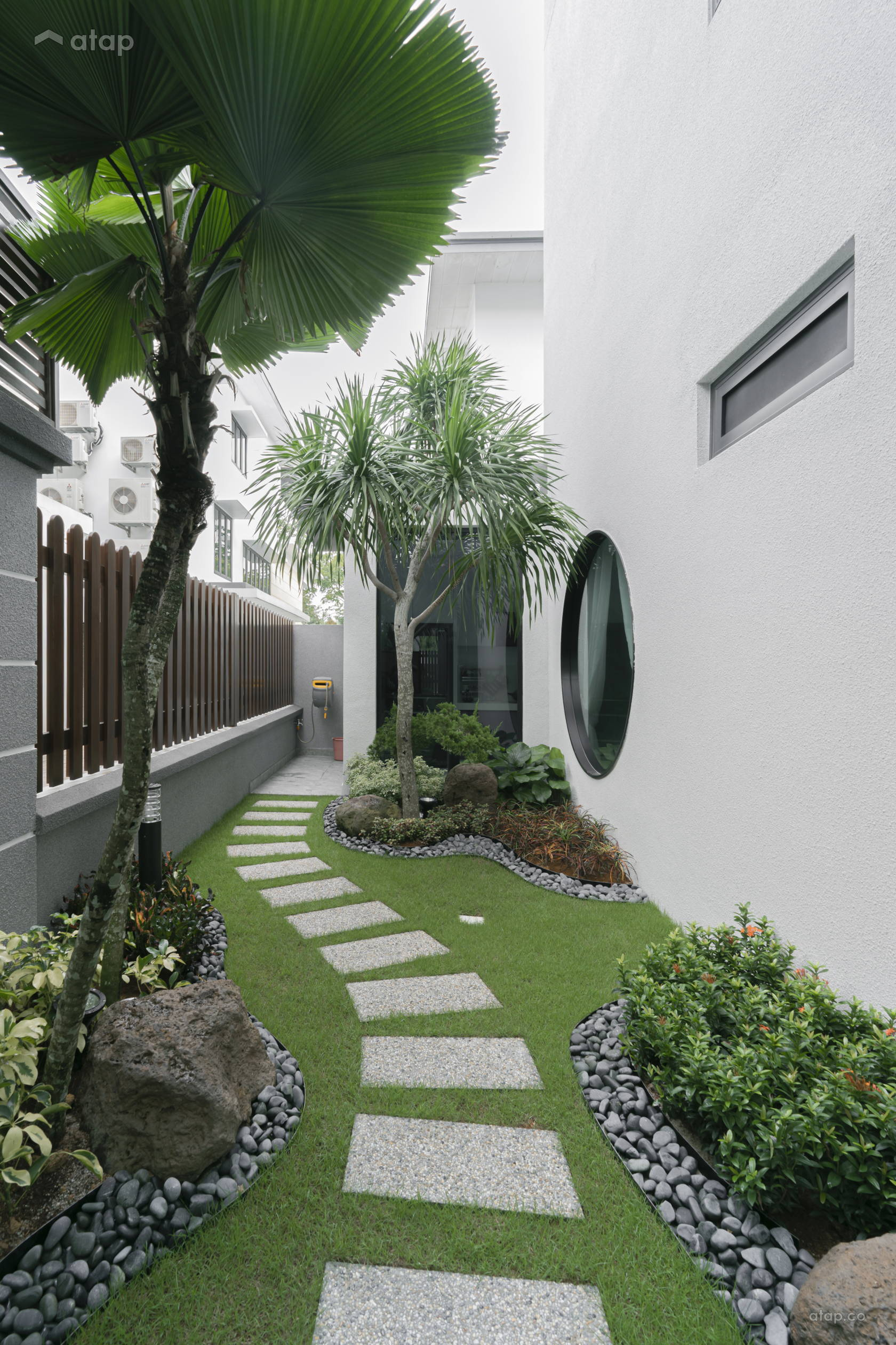 Modern Garden semi-detached design ideas & photos Malaysia ...