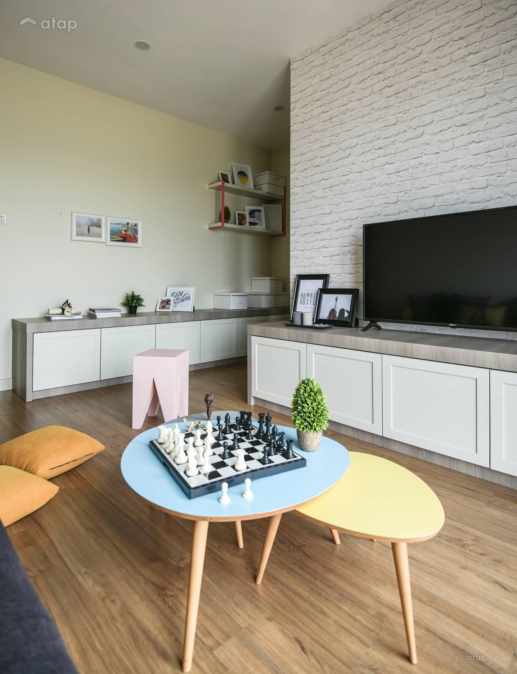 Contemporary Modern Family Room @ Kepayang Haven