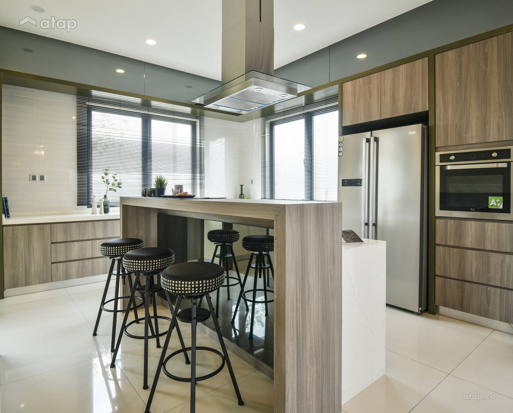 Contemporary Modern Kitchen @ Kepayang Haven