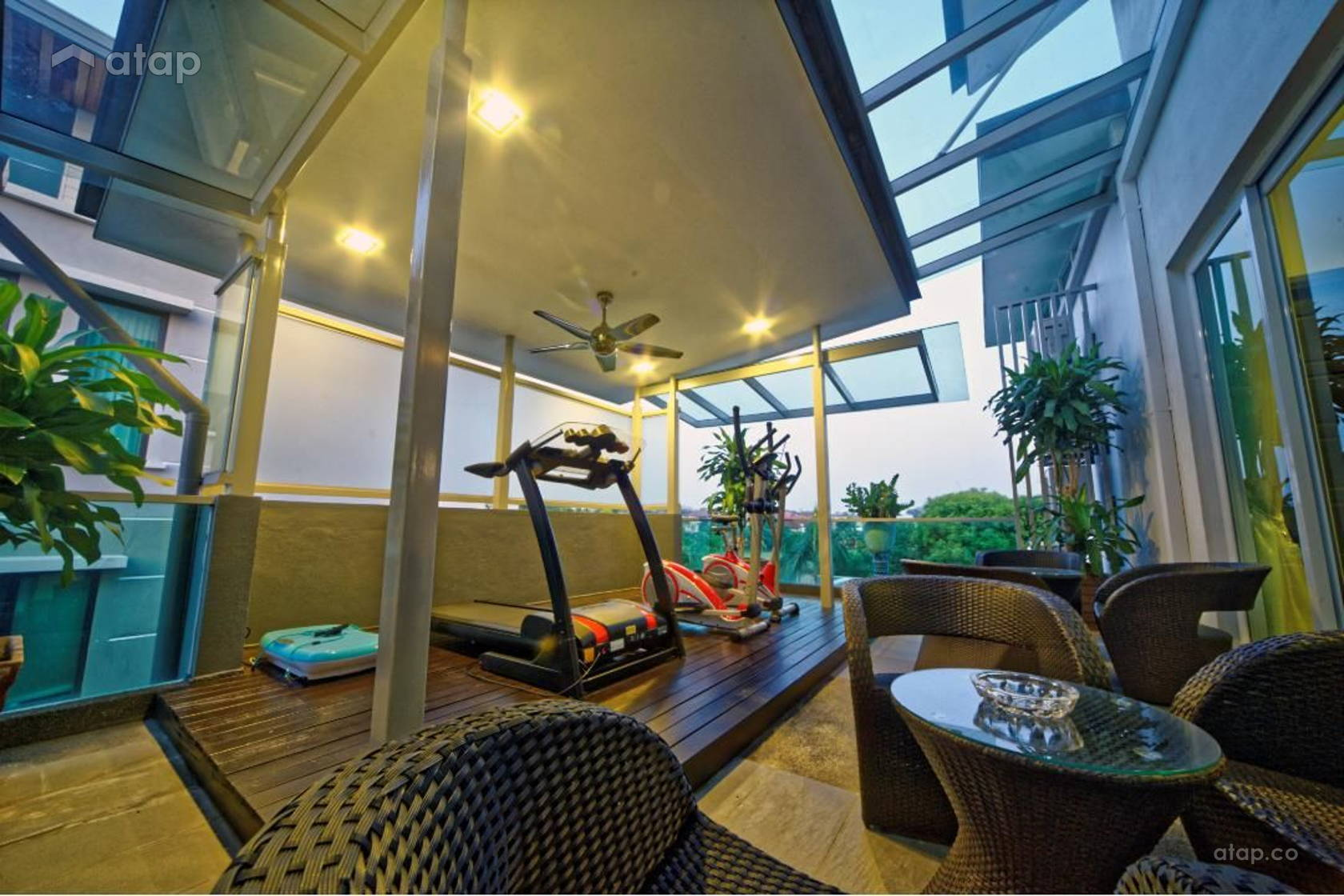 Contemporary Modern Balcony @ Tropicana