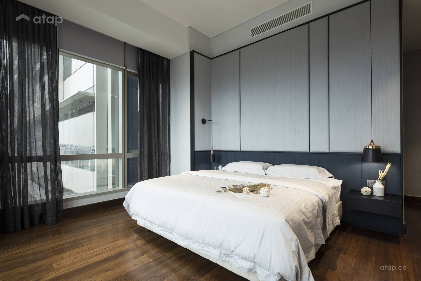 Contemporary Modern Bedroom @ Banyan Tree Signatures