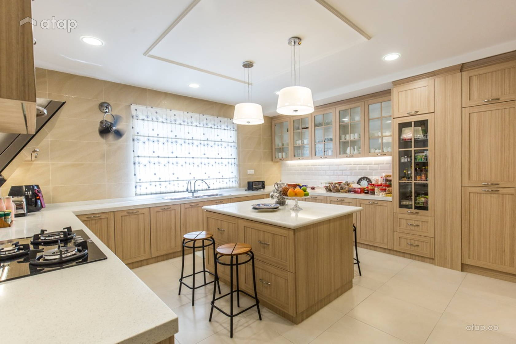 Contemporary Country Kitchen @ Luxury classic bungalow at Taman TAR. Interior design and build by Klaas.