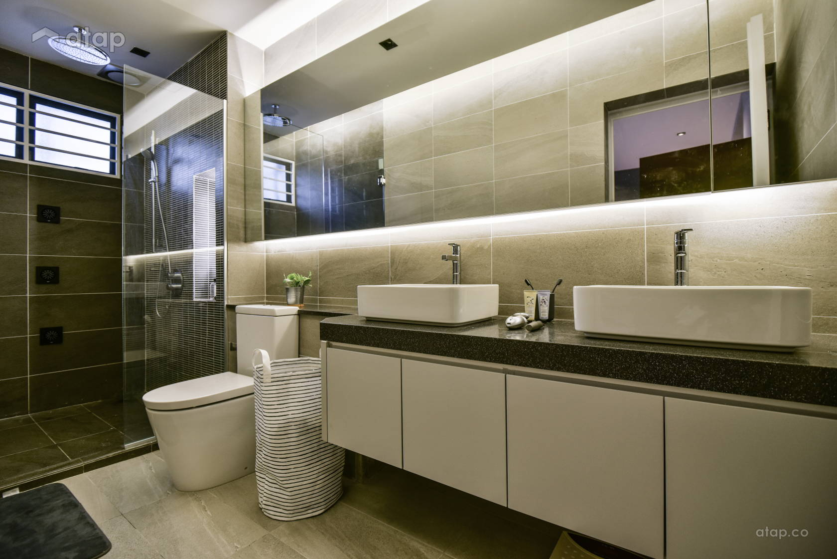 Contemporary Modern Bathroom @ Damai Perdana