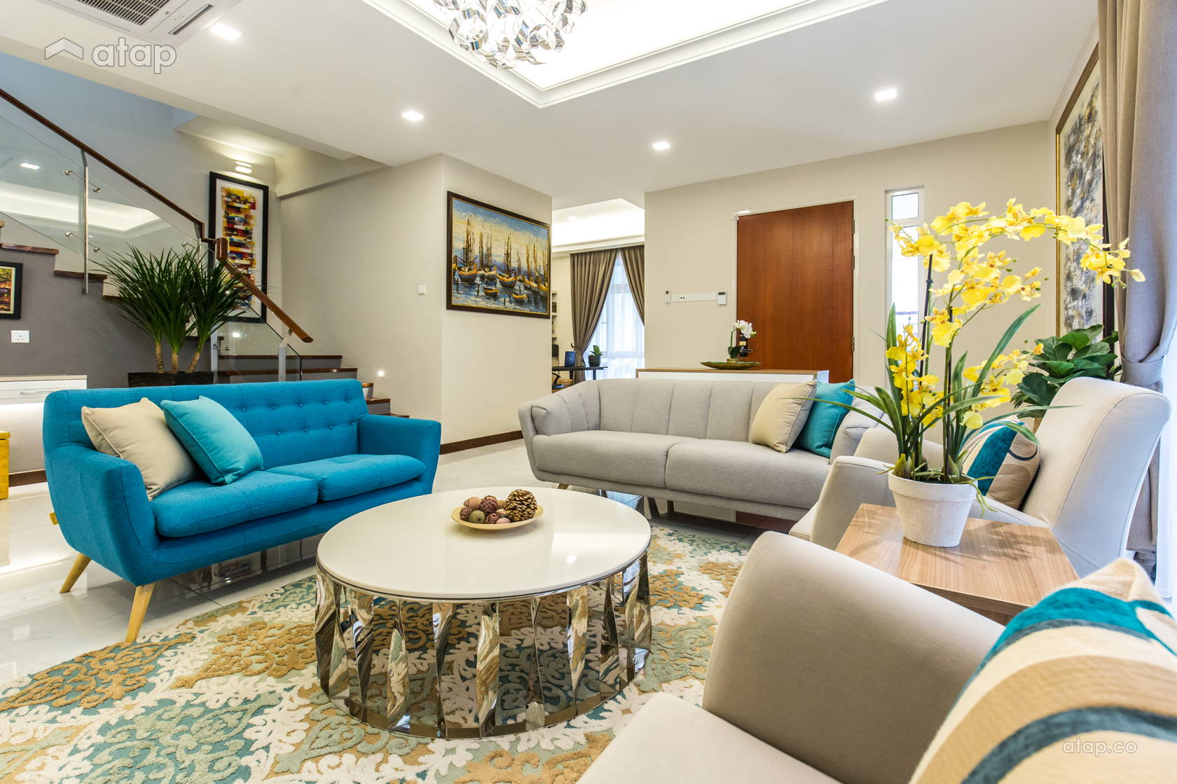 classic modern family room living room bungalow design