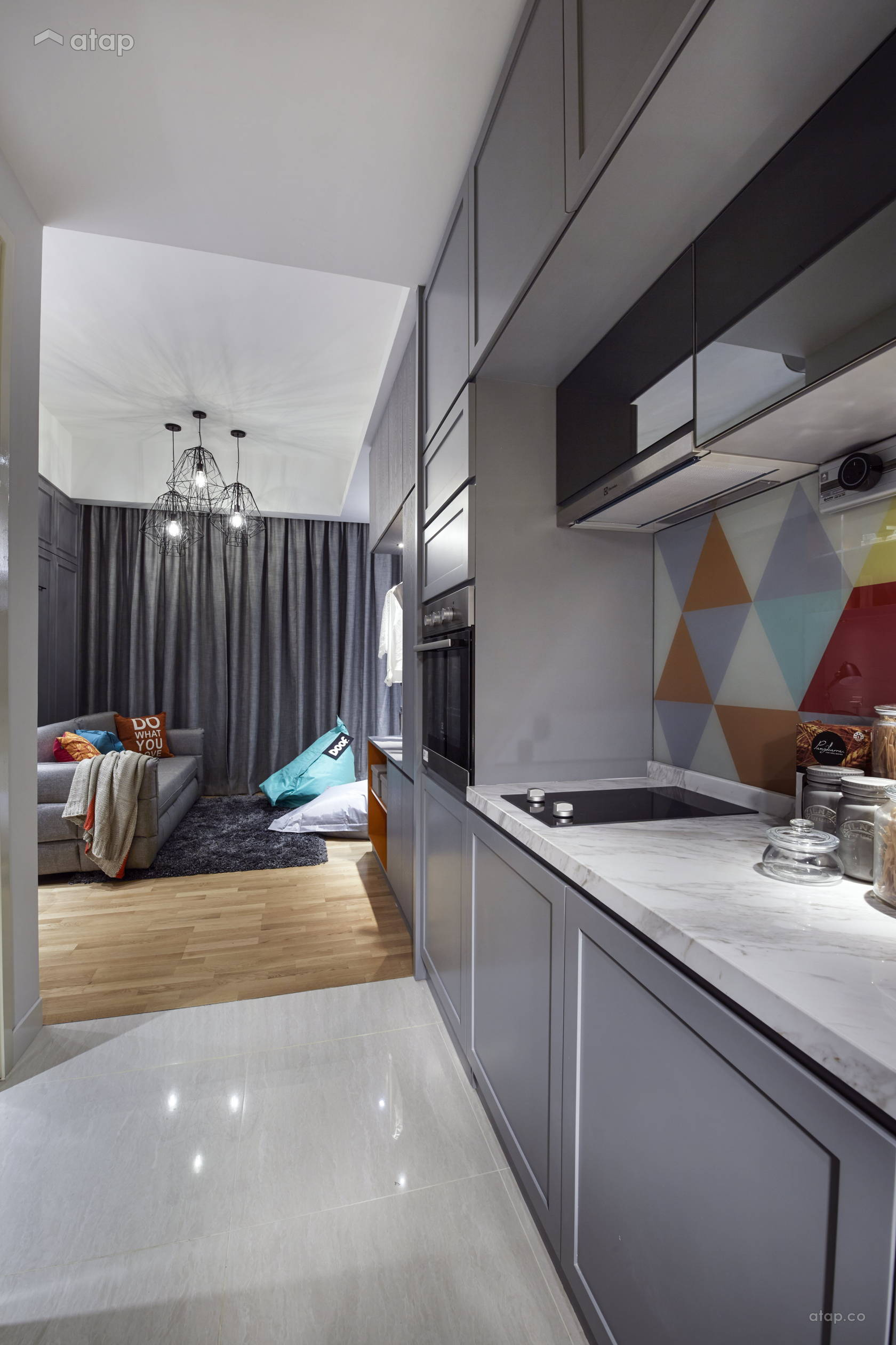 Contemporary Kitchen @ Sentral Suites Corner D