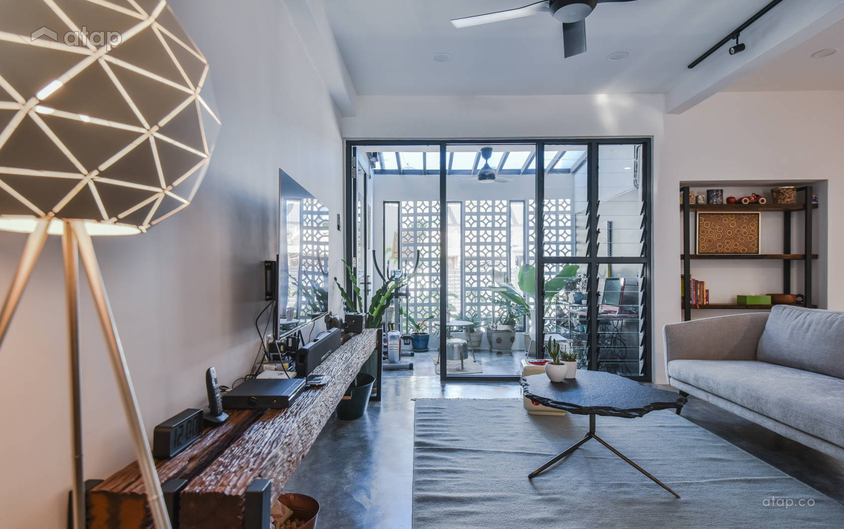 Classic Industrial Foyer Living Room @ BACK TO NATURE