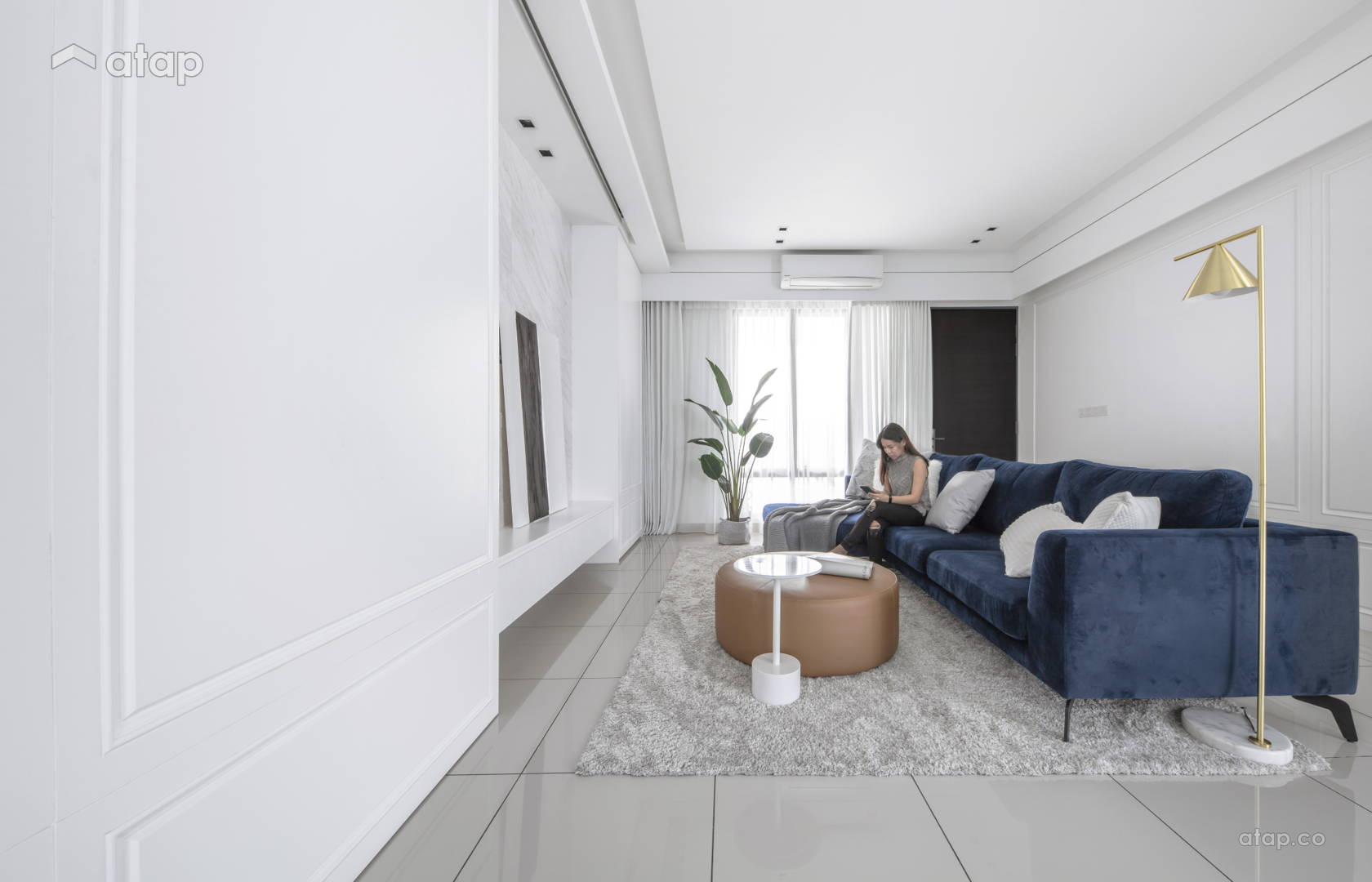 Classic Modern Living Room @ Illusion of monochrome - Town house, Sepang