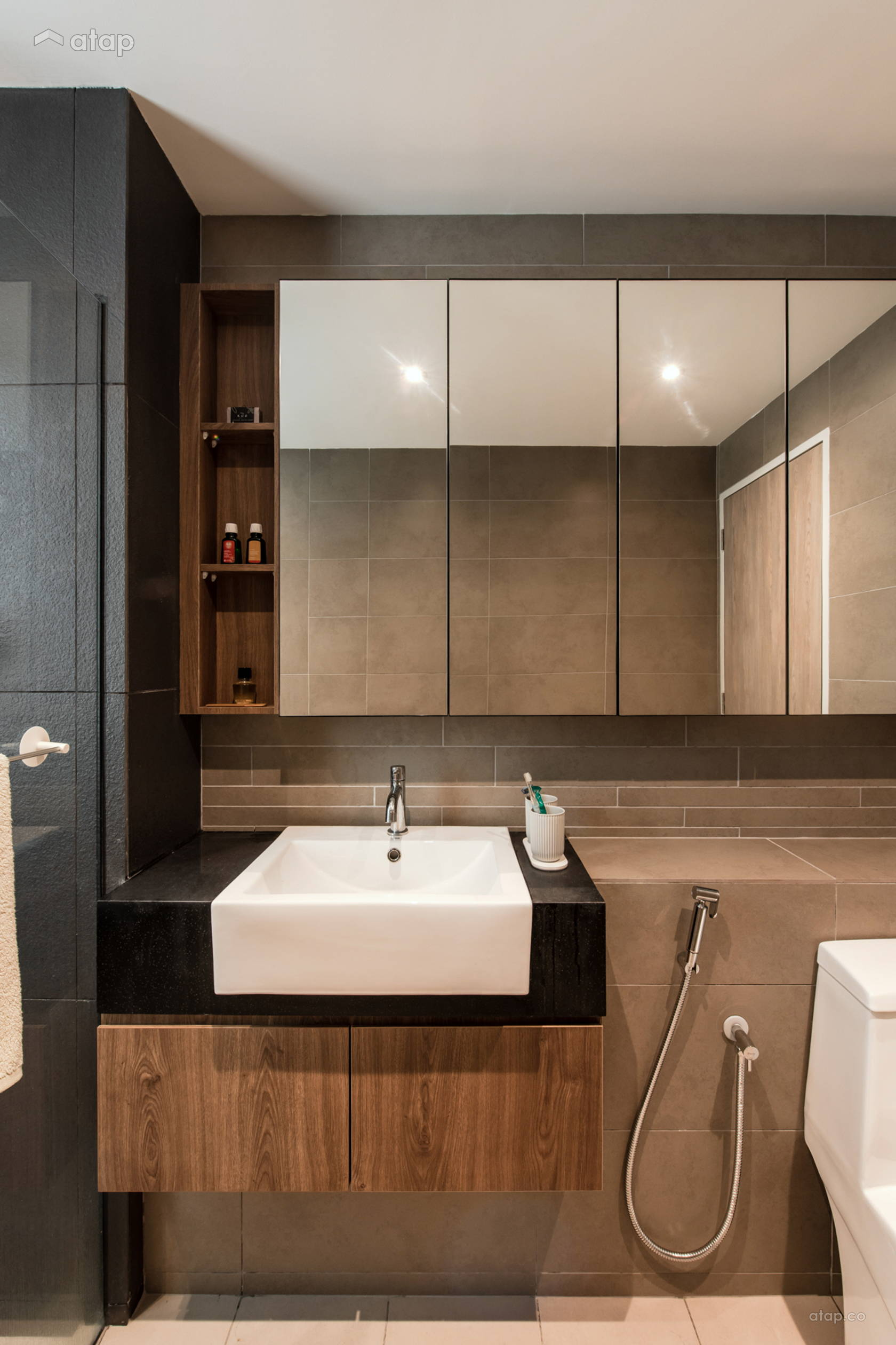 Minimalistic Scandinavian Bathroom @ Irama Wangsa