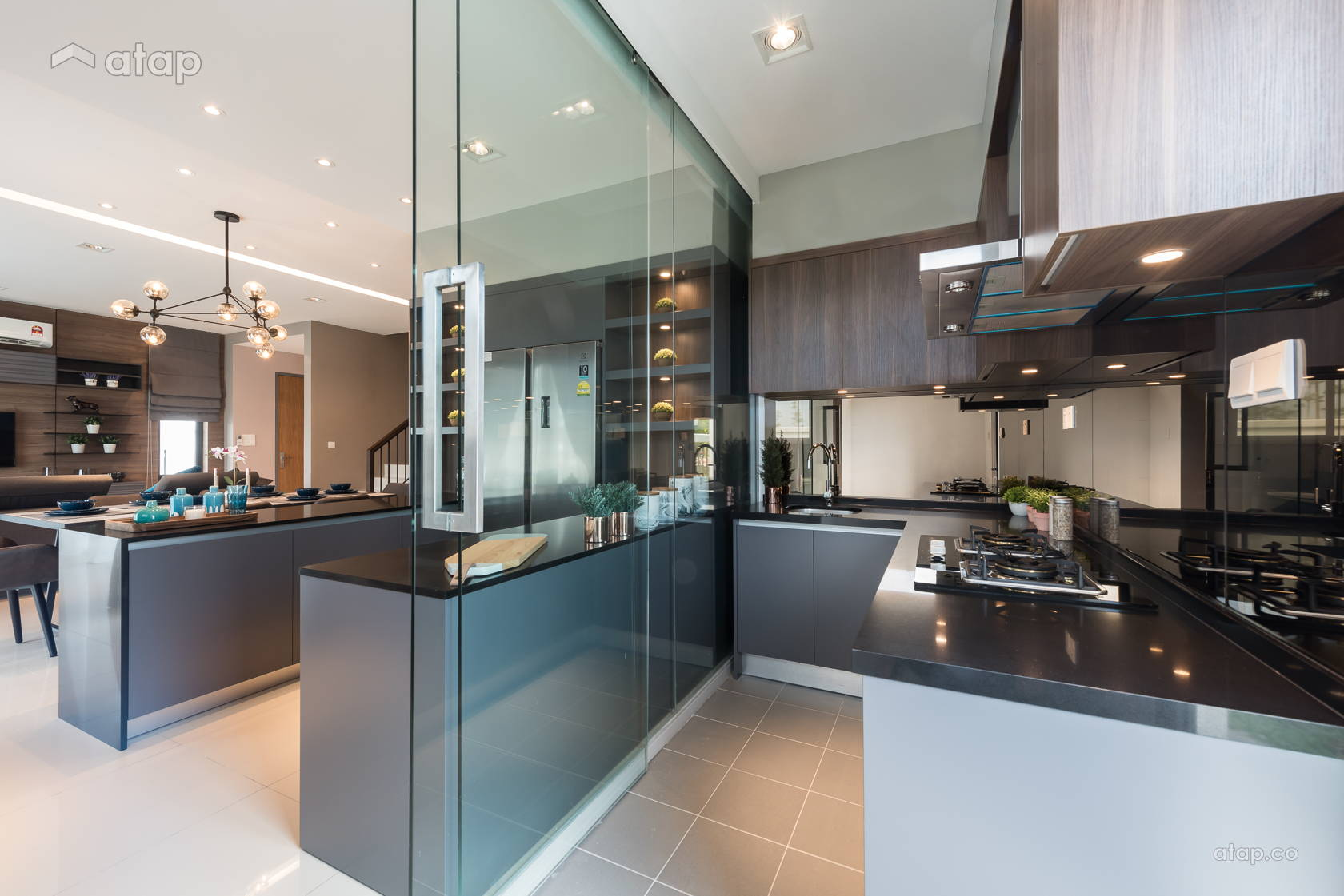 Contemporary Modern Kitchen @ Quatro Homes for Lowyat Group