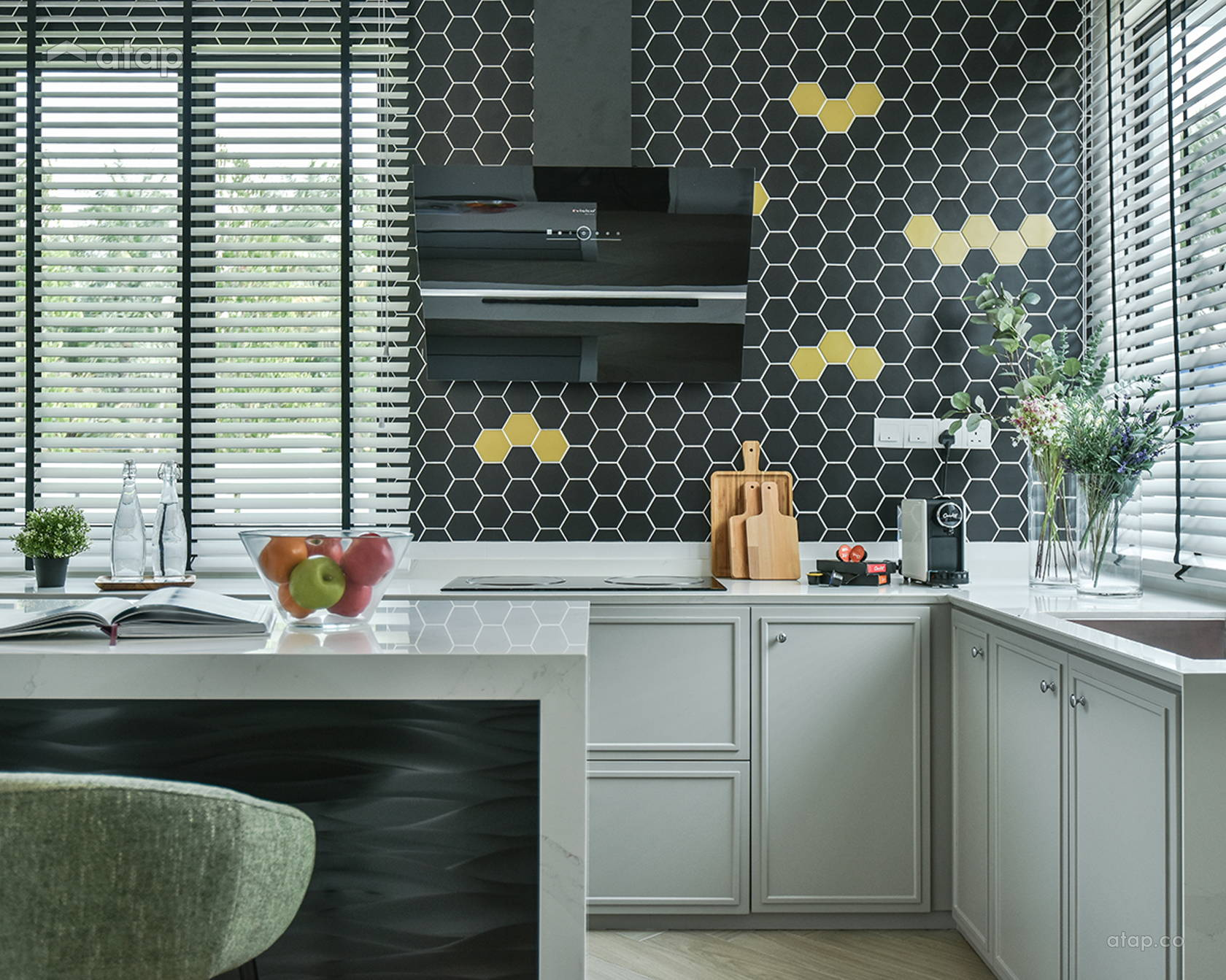 Modern Kitchen @ Le' Terrezza show unit