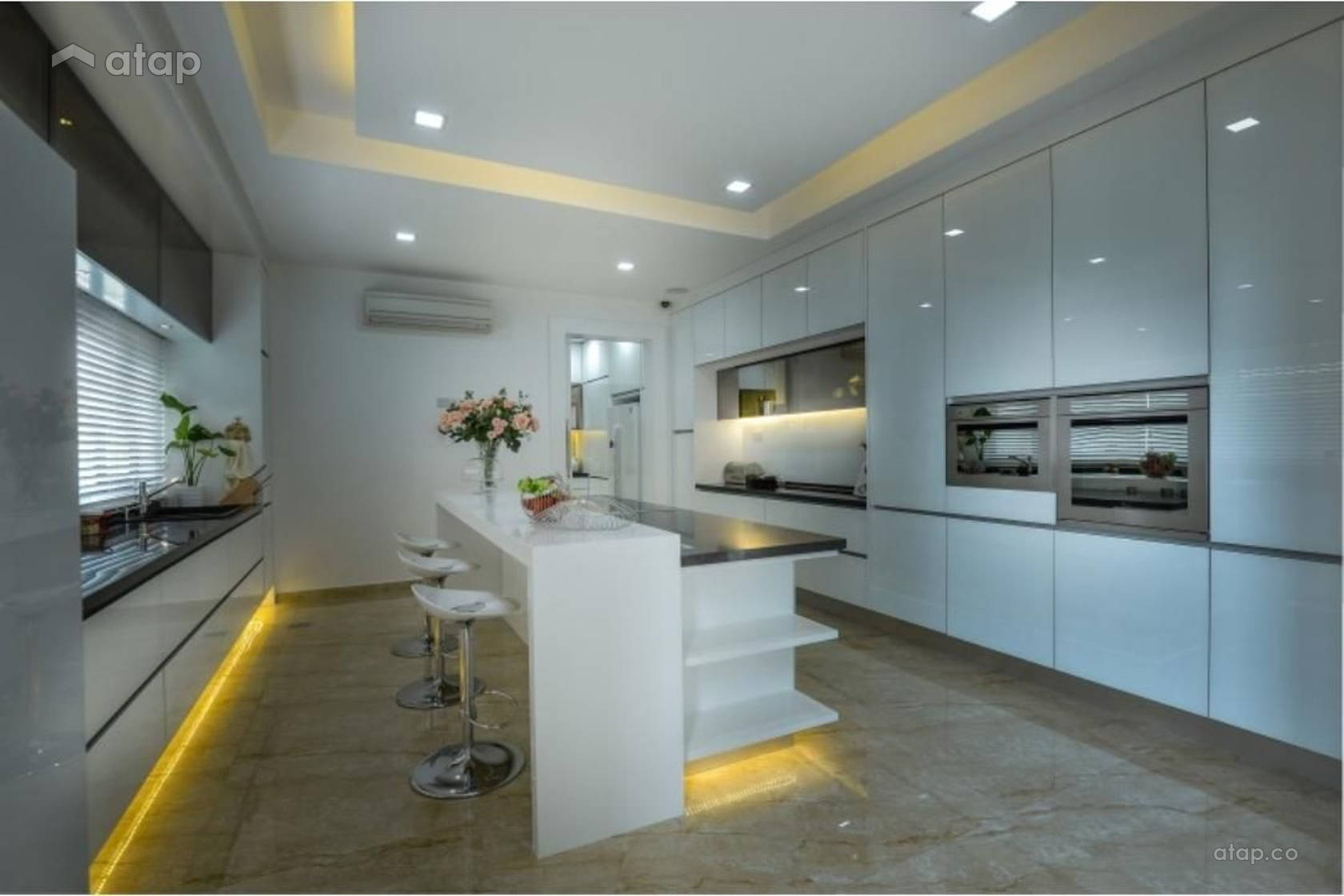 Contemporary Modern Kitchen @ Pavilion Park Residences