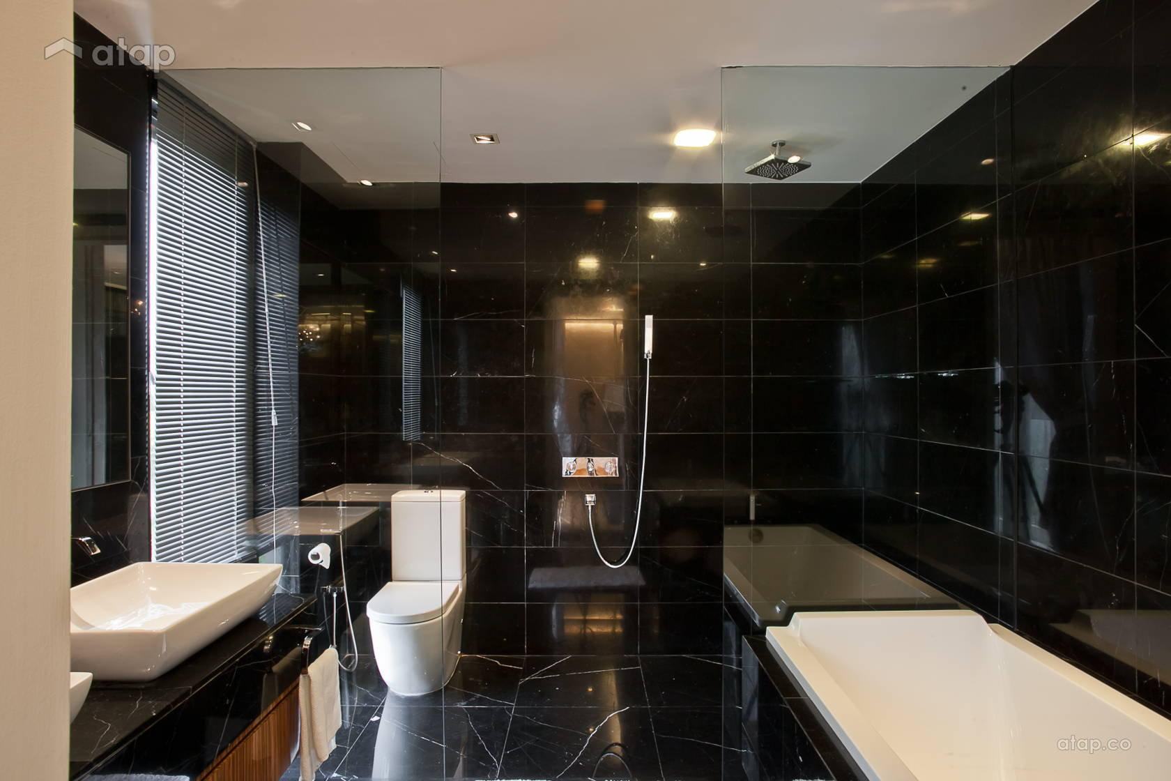 Contemporary Minimalistic Bathroom @ Mont Kiara Semi-D
