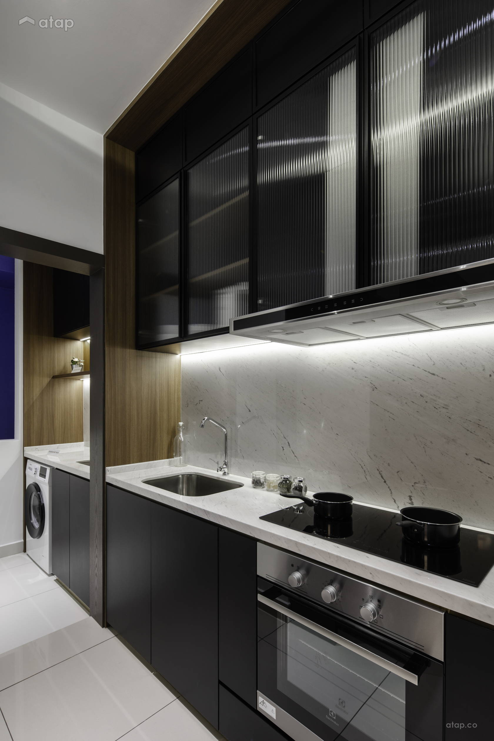 Classic Modern Kitchen @ THE BIRCH - TYPE A2 (2 ROOMS)