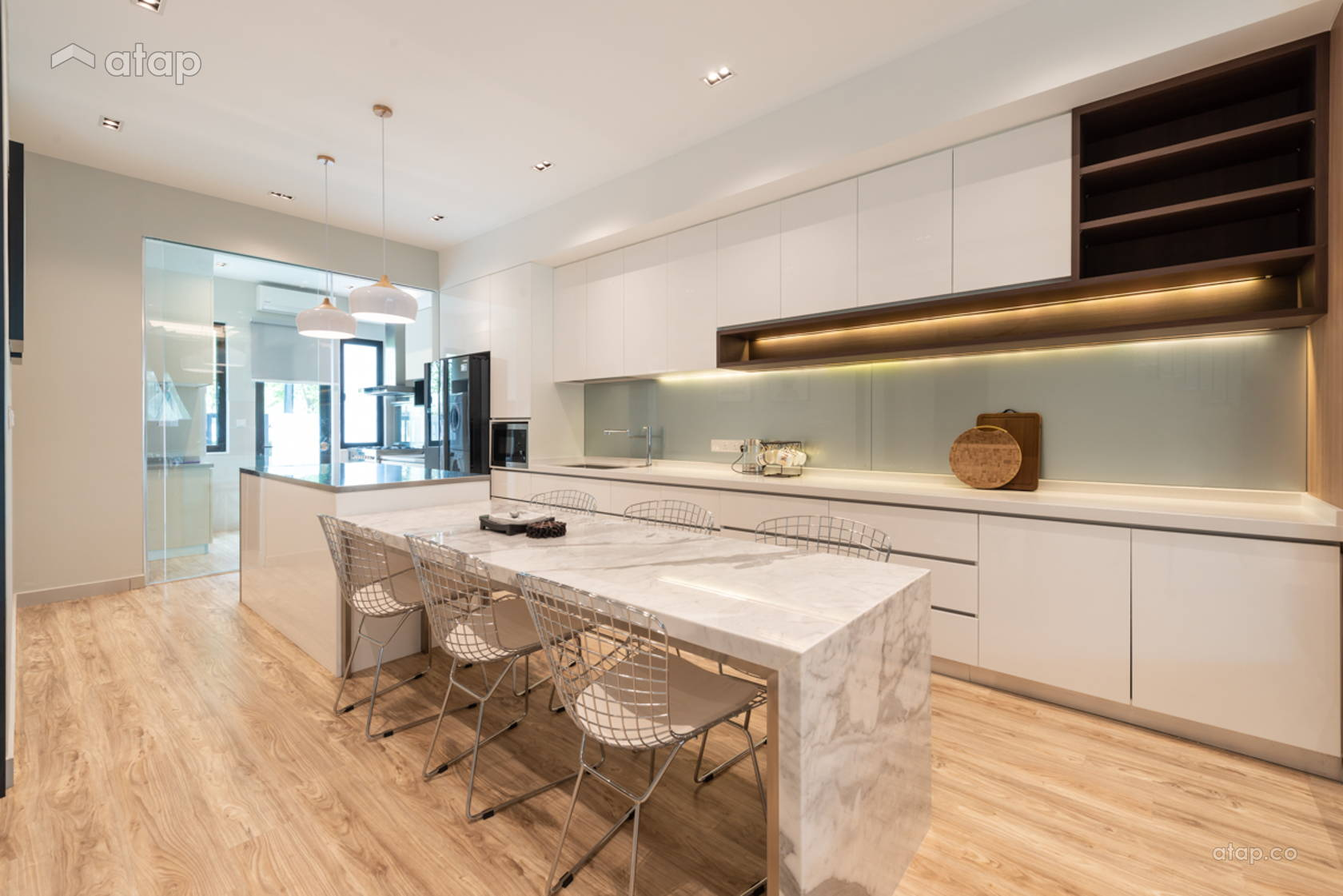 Contemporary Modern Dining Room Kitchen @ Scarlet Rimbayu Double Storey Terrace