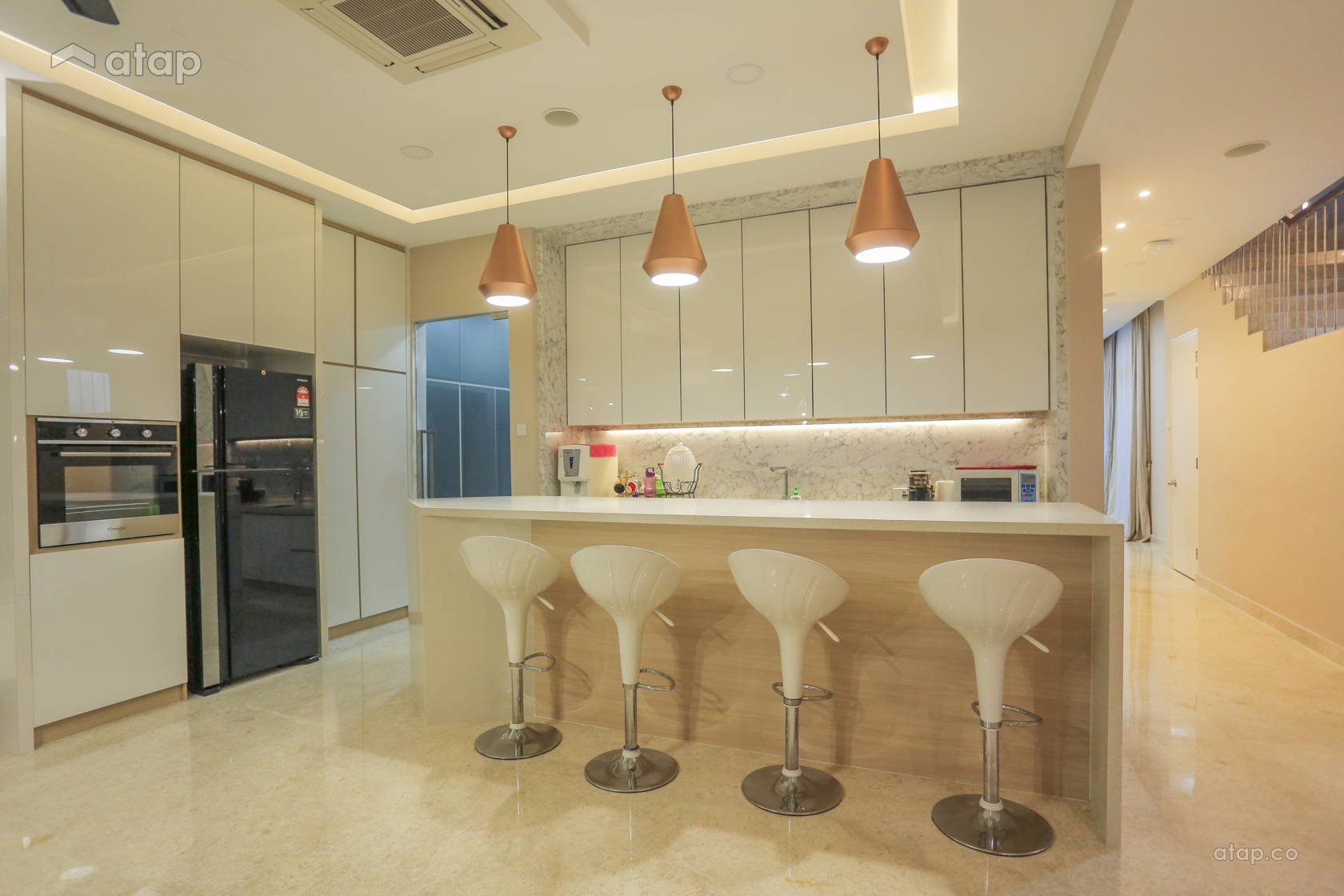 Contemporary Modern Kitchen @ CORNER TERRACE HOUSE AT REED, LAKE FIELD