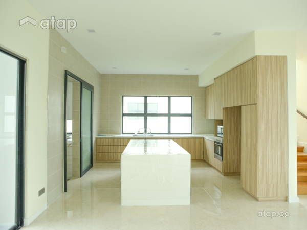 Contemporary Kitchen@East Ledang Bungalow