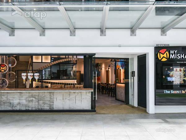 Modern F&B Retail@A Street Art Restaurant with Vibrant Graffiti