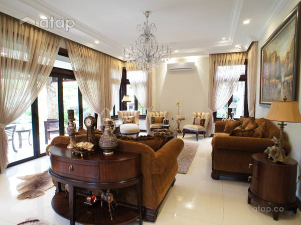 Classic Contemporary Living Room@Residential Design @ Glenmarie Bungalow