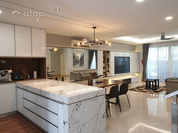 Minimalistic Dining Room Kitchen@Zenia Townhouse, Desa Park City