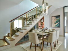 Contemporary Modern Dining Room@Seri Residences
