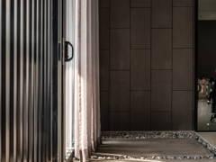 Modern Foyer@Rousing Crescendo