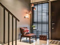 Contemporary Retro Foyer@Bayan Residence @ Tropicana Aman