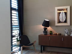 Contemporary Modern Foyer@Vista Kirana Bungalow