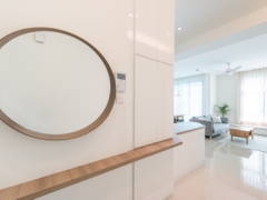Contemporary Minimalistic Foyer@The Vyne Condo