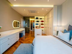 Contemporary Modern Bedroom@Contemporary Luxe Dwelling
