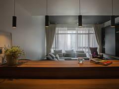 Contemporary Dining Room Living Room@Sleek and dark