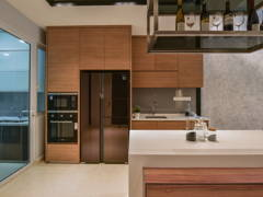 Contemporary Kitchen@Scenaria Residence Townhouse