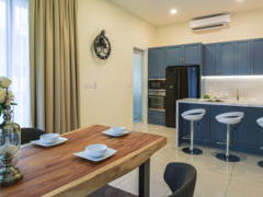 Classic Modern Dining Room Kitchen@Twin Palms