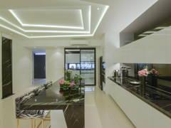 Classic Modern Kitchen@Lumiere Extravaganza @ Casaman, Desa Park City