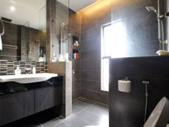 Contemporary Modern Bathroom@Terrace House - PJ SS2