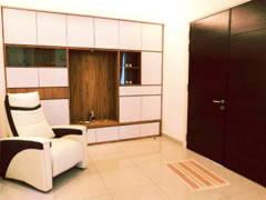 Modern Foyer@Modern Tropica Homes