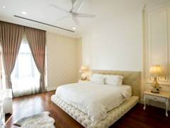 Classic Bedroom@The Glenmarie Golf Resort Bungalow House