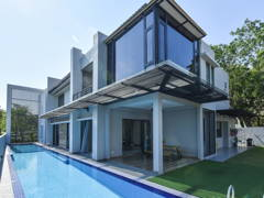 Contemporary Modern Exterior@Design & Built