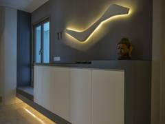 Minimalistic Modern Foyer@< Visual Vehemence > @ Seni Mont' Kiara