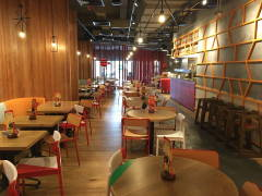 Asian Rustic F&B Retail@Nando's Chicken
