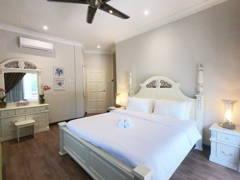 Country Bedroom@TIARA GOLF @ MELAKA