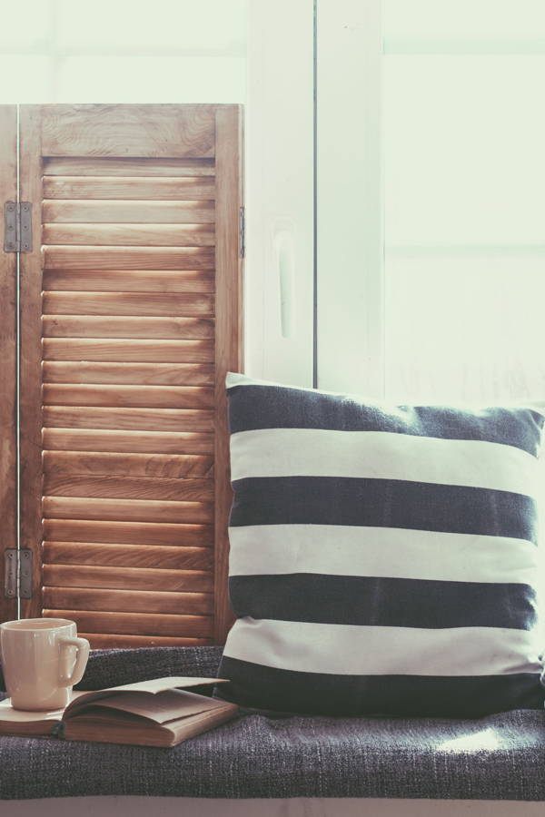 The Ultimate Guide to Dressing Your Windows: Blinds and Shades