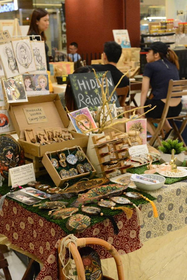 Find One-of-a-Kind Homeware & Décor at These Flea Markets