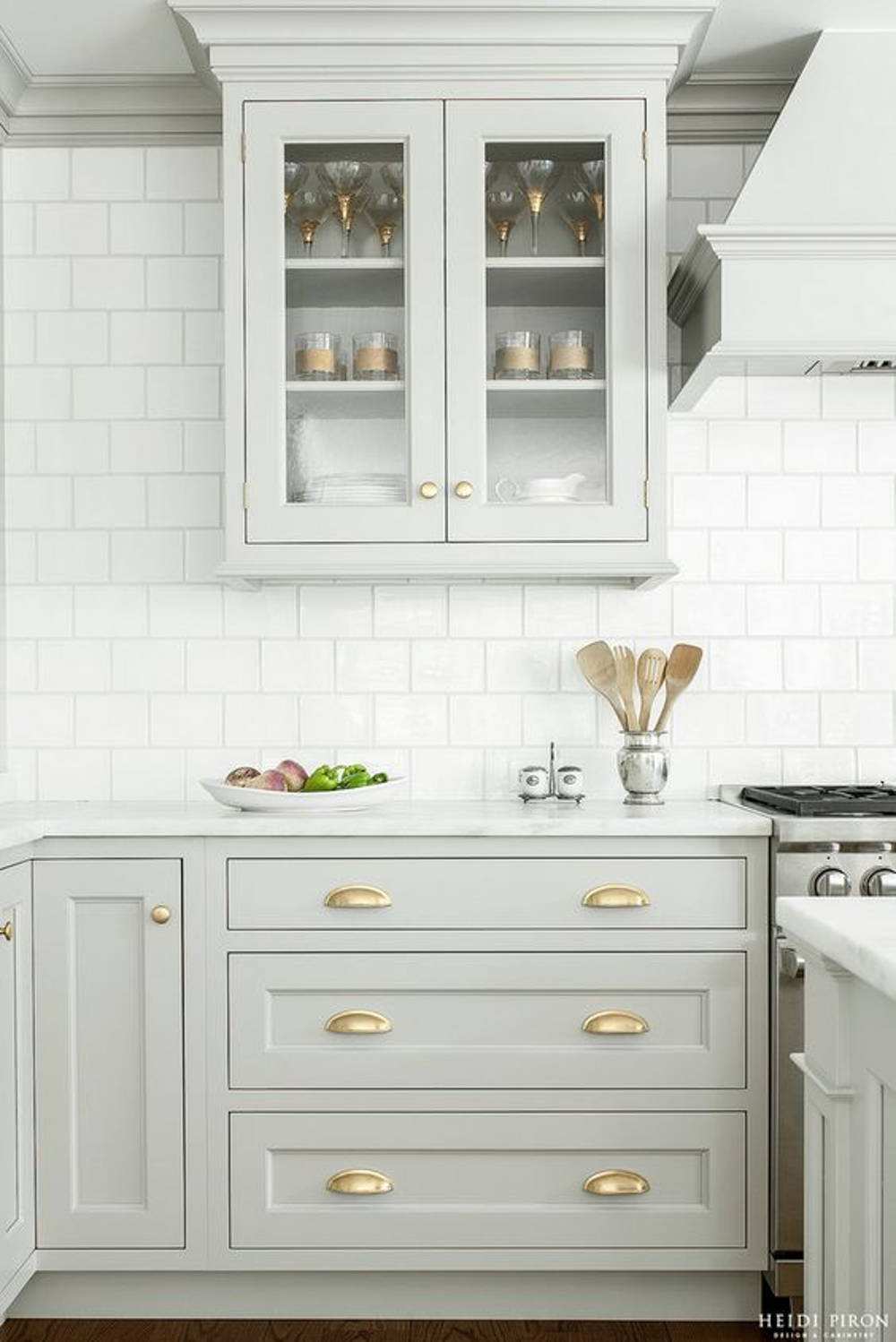 Kitchen cabinet grey