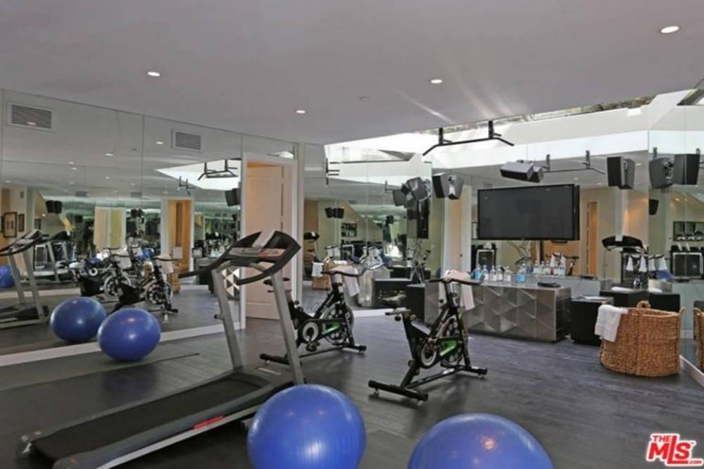 Dj Khaled home gym