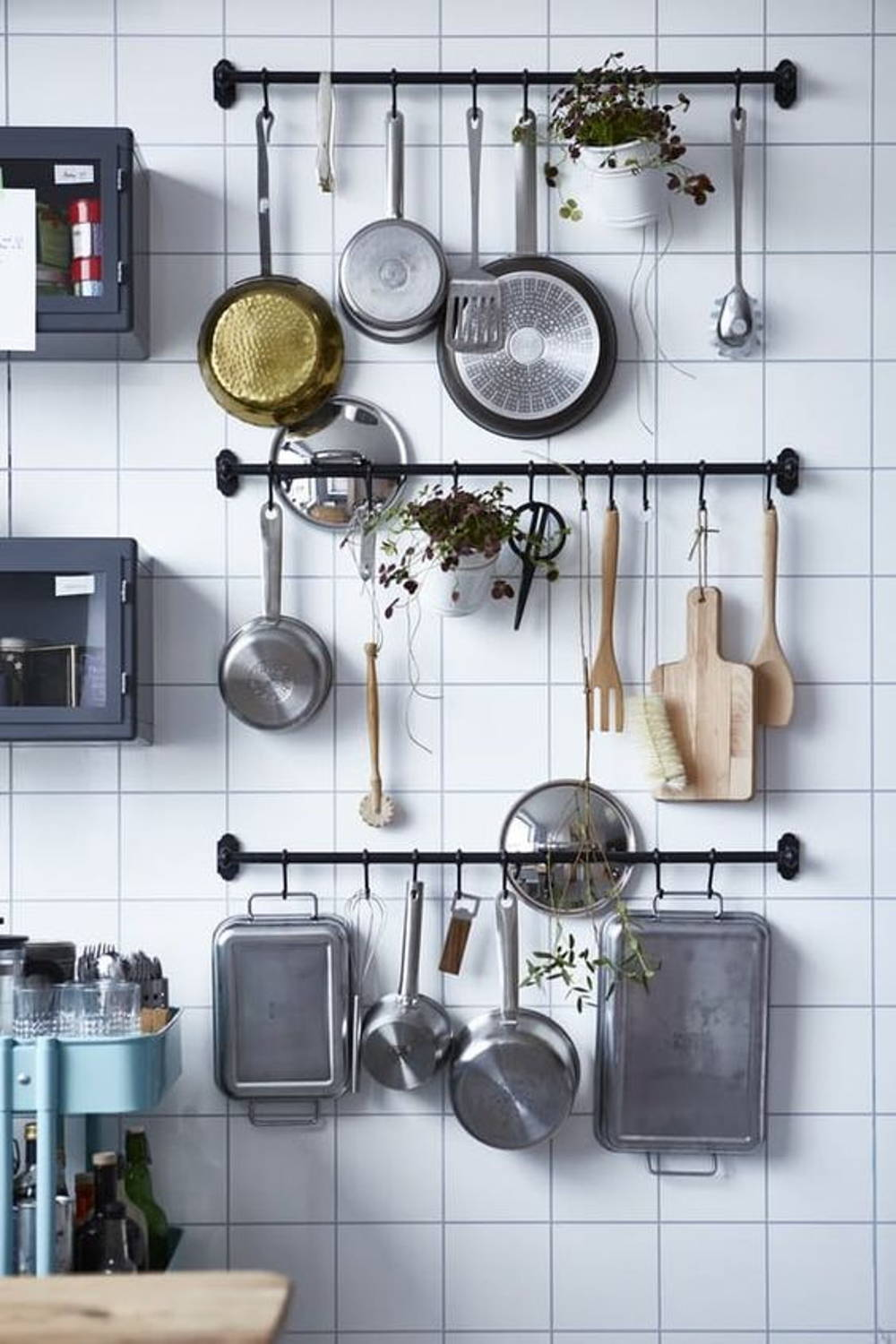Hanging kitchen items