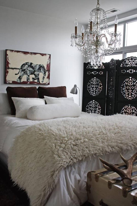 Floral screen bedroom