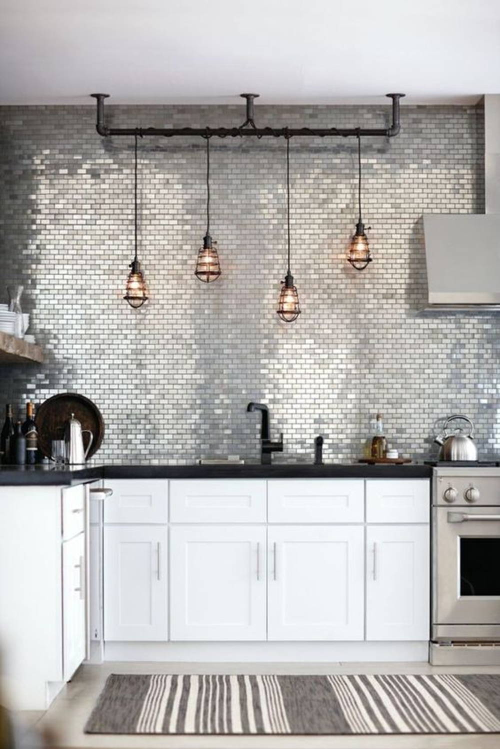 Reflective backsplash