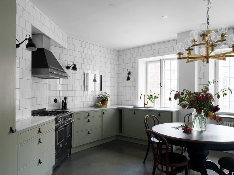 All About Kitchen Cabinets: Storage and Door Styles