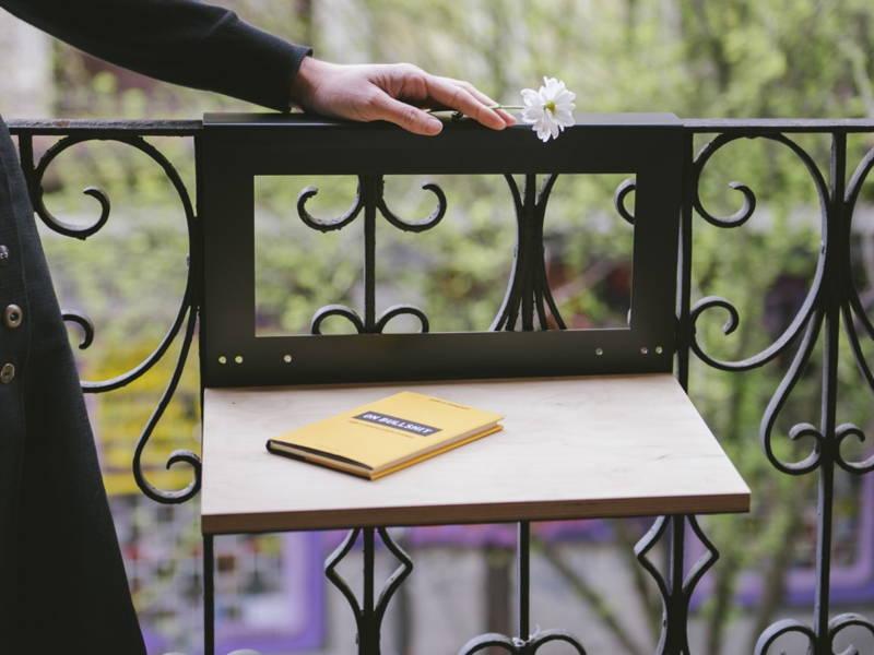 Railing hang table